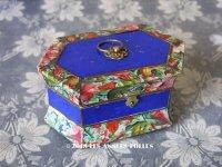 19世紀 アンティーク ナポレオン3世時代 お菓子箱 昆虫&花 脚付き 木箱 ドラジェ & チョコレート