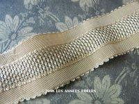 19世紀末 アンティーク シルク製 格子の透かし柄 スカラップリボン