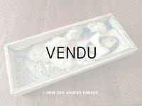 19世紀末 アンティーク 硝子の蓋の紙箱入り コミュニオンのヘッドリース & オモニエール & ロザリオ