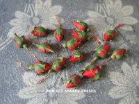 アンティーク 赤い薔薇のつぼみ 15ピースのセット