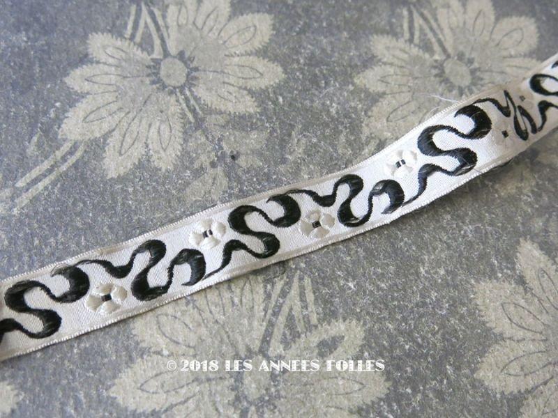 画像1: 19世紀末 アンティーク シルク製  ジャガード織 花柄のリボン モノトーン 0.9〜1m