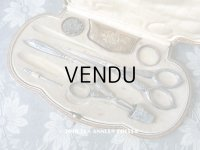 1900年代 アンティーク シルバー製 リボン柄のソーイングセット 裁縫道具