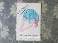 アンティーク ポストカード STE-CATHERINE ピンクのリボン&レース付 ブルーのボネ