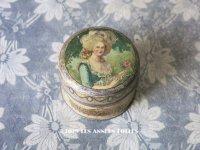 アンティーク マリー・アントワネットのパウダーボックス POUDRE DE RIZ BELLAMIA PARFUMEE AUX FLEURS DE FRANCE  - MURCY PARIS -