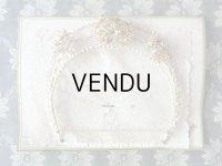 未使用 アンティーク 台紙付 ワックスフラワーのヘッドリース パール加工 ウェディング 結婚式 ティアラ