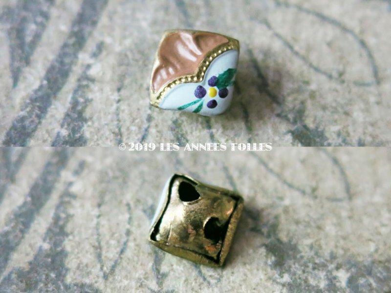 画像3: 【9周年セール対象外】 アンティーク 極小 エナメルボタン 花模様 7mm  2ピースのセット ライトブラウン