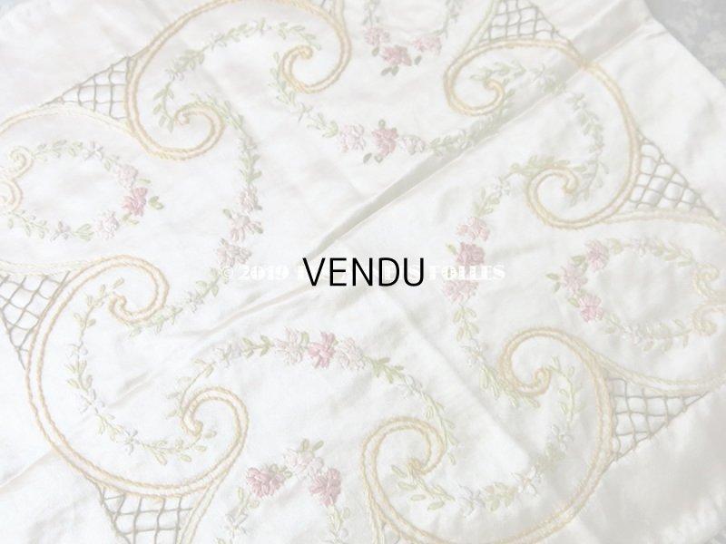 画像4: 【9周年セール対象外】 アンティーク リボン刺繍のパネル シルクサテンのファブリック