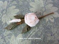 アンティーク 淡いピンクの薔薇のロココモチーフ