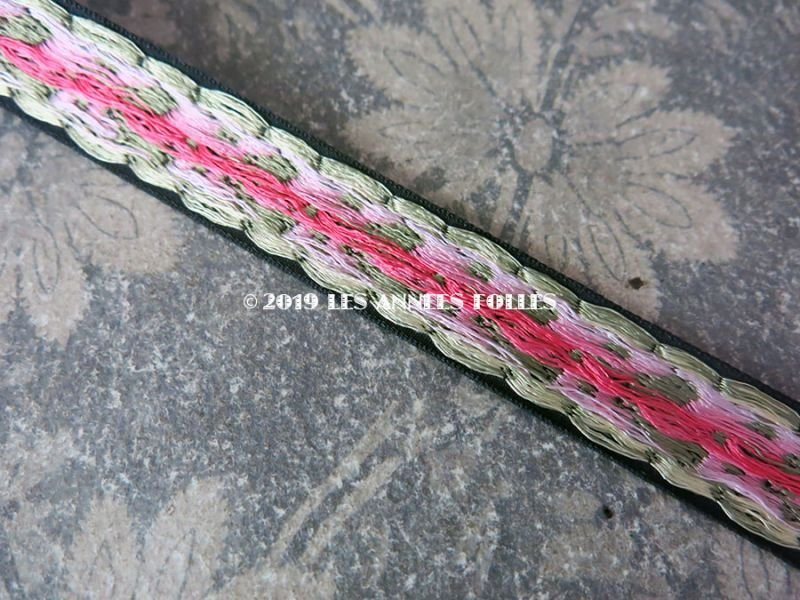 画像4: 未使用 19世紀 アンティーク シルク製 ジャガード織リボン 小さなピンクの薔薇模様 黒