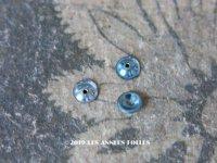 【クリスマスセール2019対象外】 19世紀末 アンティーク メタル製 極小 4mm 丸 立体 スパンコール 淡いブルー 50ピースのセット