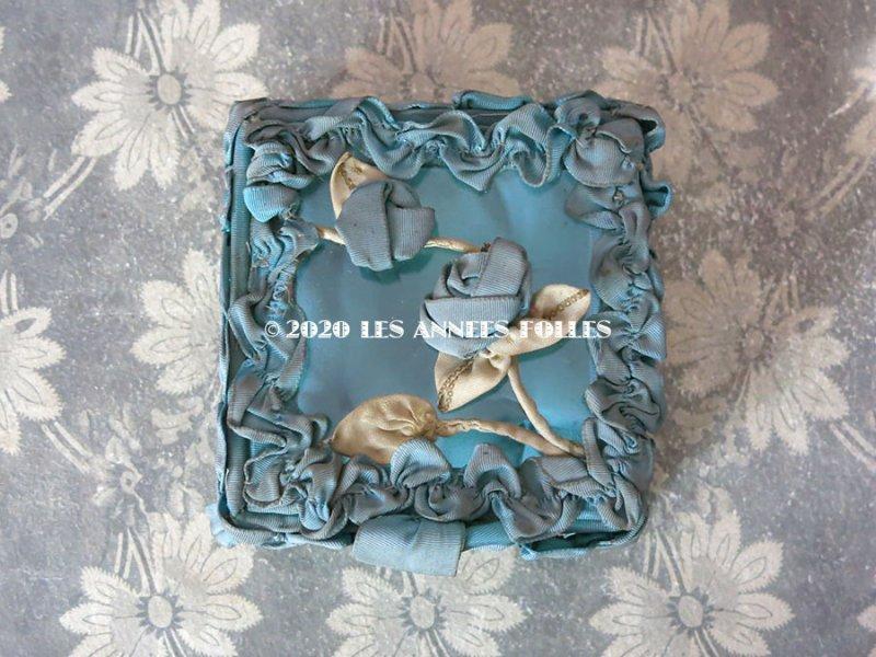 画像2: アンティーク ロココモチーフ付き リボンワークのジュエリーボックス スモーキーブルー ガラスケース
