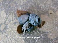 アンティーク ブルーの薔薇のロココモチーフ