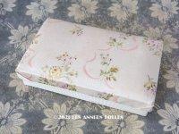 1900年代 アンティーク お菓子箱 ジャガード織 ピンクのリボン&薄紫と黄色の薔薇