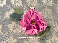 アンティーク ピンクの薔薇の大きな布花 コサージュ クオーター・ロゼット咲き