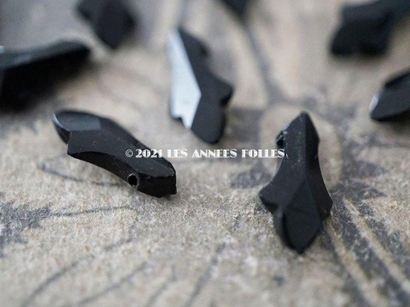 画像4: アンティーク フレンチジェット リーフ型 ビーズ カット入り 6×13mm 約75ピース