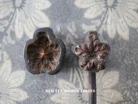 【11周年セール対象外】 アンティーク  こて 花びら用 型押しの道具 古いコサージュ店  造花