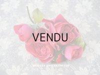 新品同様 アンティーク ピンクの薔薇のブーケ 布花 コサージュ クオーター・ロゼット咲き