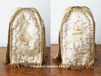 19世紀末 アンティーク 教会の装飾 聖杯のカバー ピンクの花のリボン刺繍