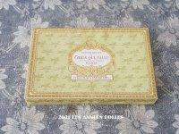 1900年代 アンティーク チョコレートボックス お菓子箱  CHOCOLATS FANTAISIES - CONFISERIE DU CHIEN QUI SAUTE PARIS -
