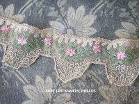 1930年代 アンティーク レース  ピンクの花の刺繍入り 約95cm