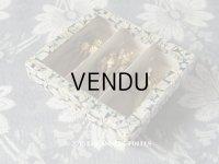 アンティーク リボン&花&クロバー型 エパングル入り 硝子の蓋の紙箱